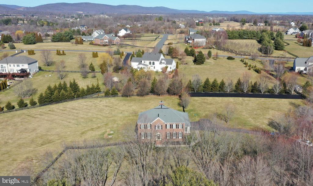 Mountain views! - 37894 ST FRANCIS CT, PURCELLVILLE