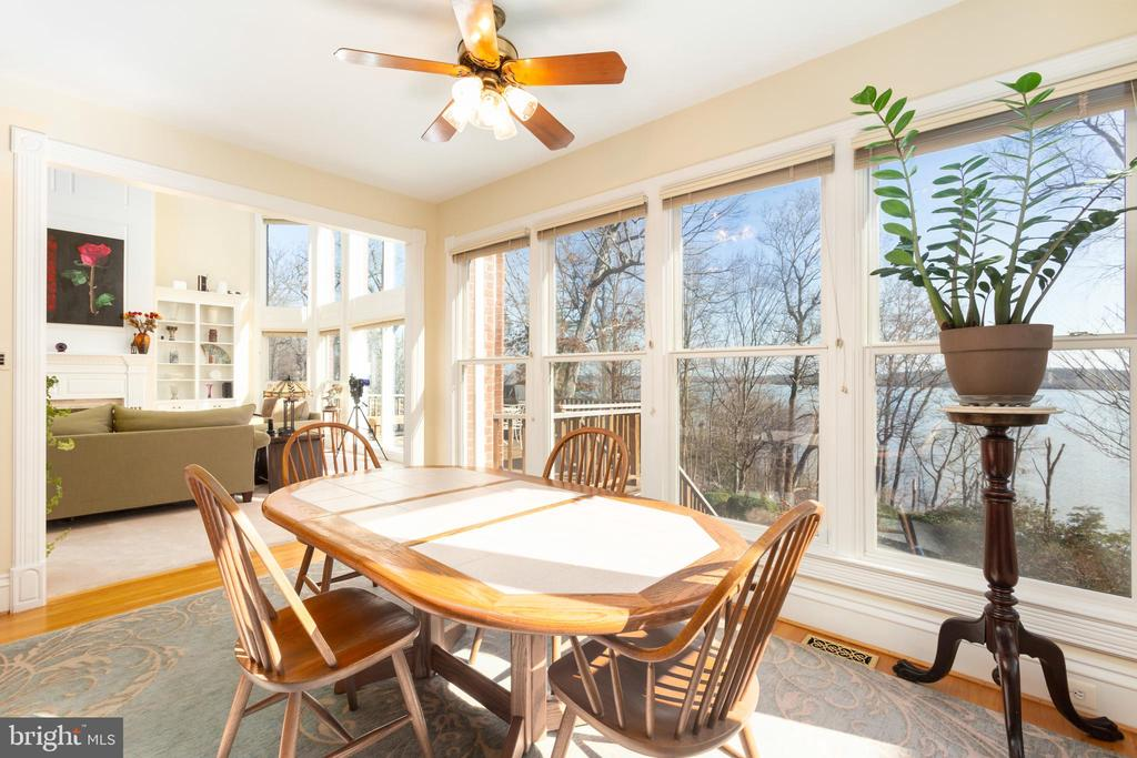 Breakfast area with water view - 9403 LUDGATE DR, ALEXANDRIA