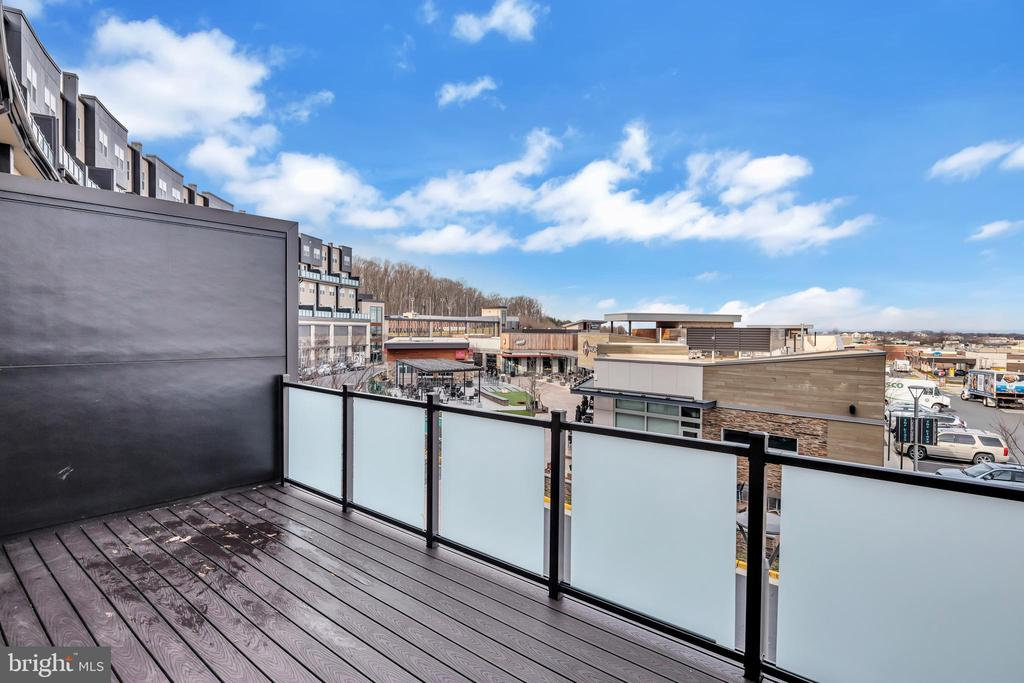 Nicely sized balcony for your outdoor enjoyment - 46448 RILASSARE TER, STERLING