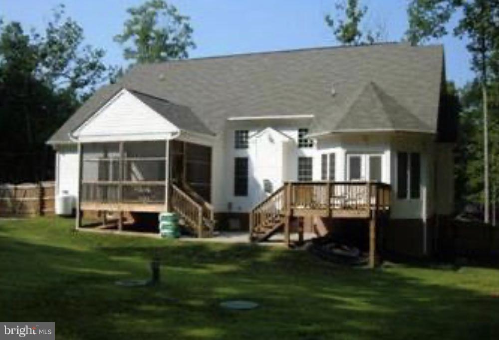 Rear,screened in porch &  deck off master bedroom - 11705 WILDERNESS PARK DR, SPOTSYLVANIA
