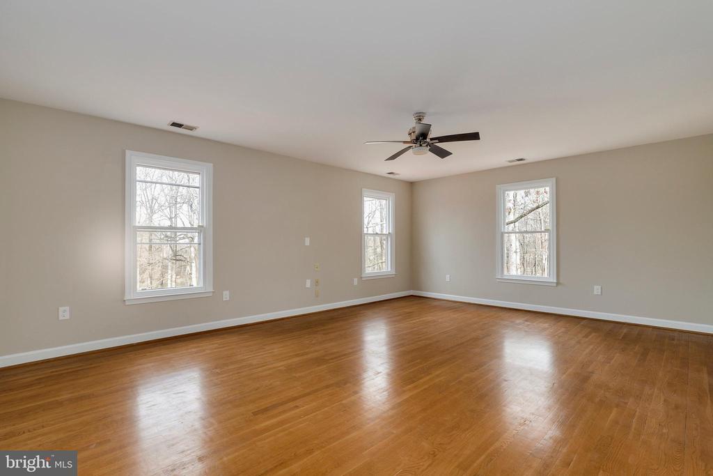 Sixth bedroom - 7810 WARFIELD RD, GAITHERSBURG