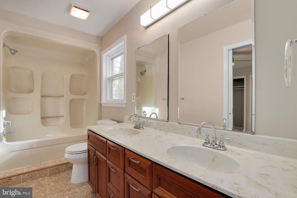 Third bathroom - 7810 WARFIELD RD, GAITHERSBURG