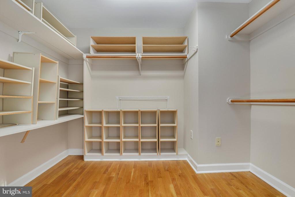 Walk-in closet - 7810 WARFIELD RD, GAITHERSBURG