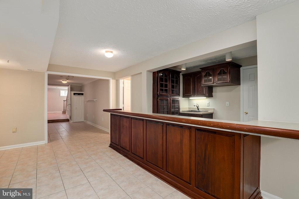Bar (basement) - 7810 WARFIELD RD, GAITHERSBURG