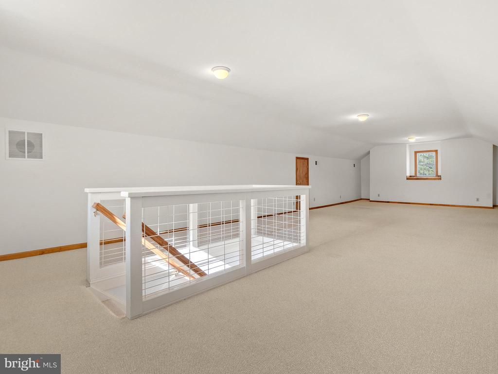 Bonus Room Over the Bedrooms - 12143 RICHLAND DR, CATHARPIN