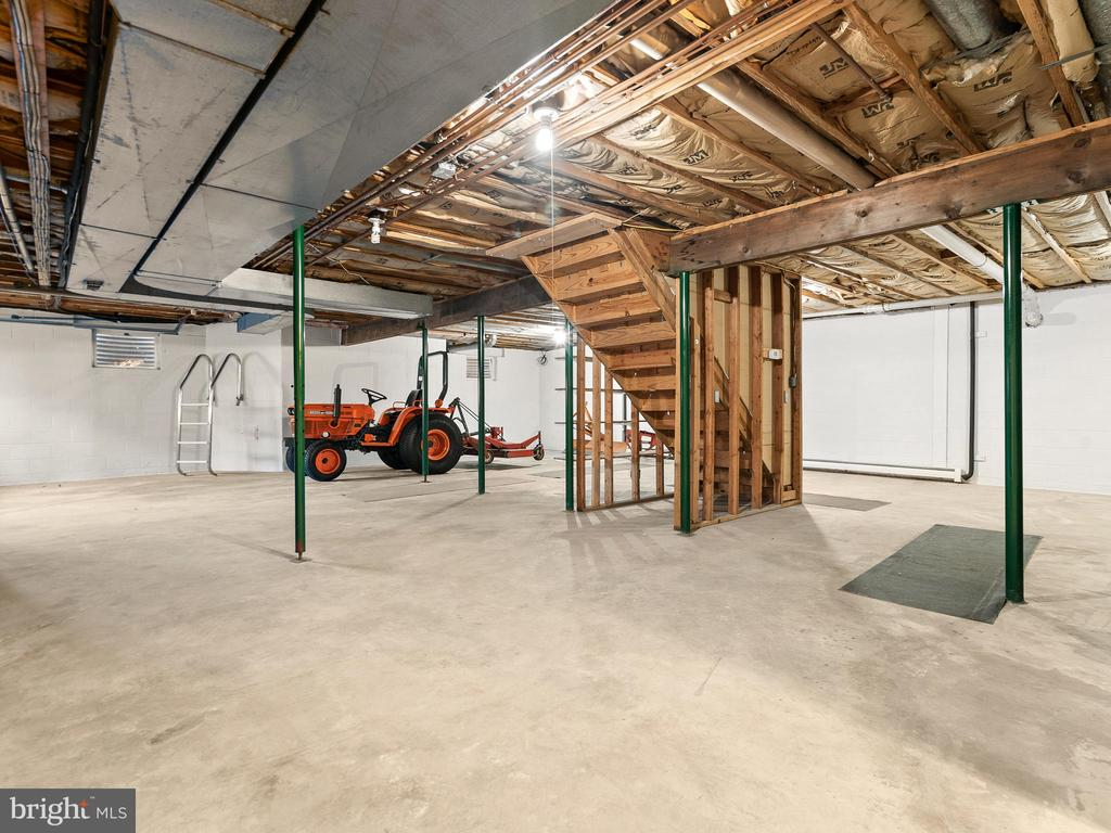 Use Your Imagination to Build Out the Basement - 12143 RICHLAND DR, CATHARPIN