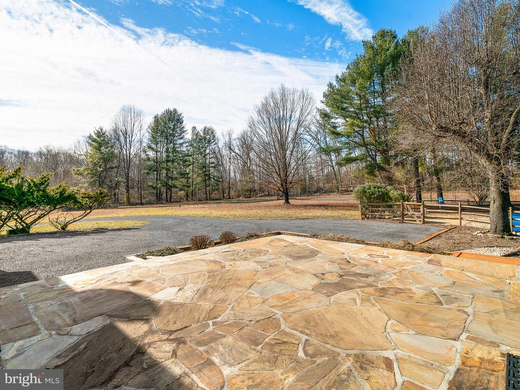 Flagstone Patio - 12143 RICHLAND DR, CATHARPIN