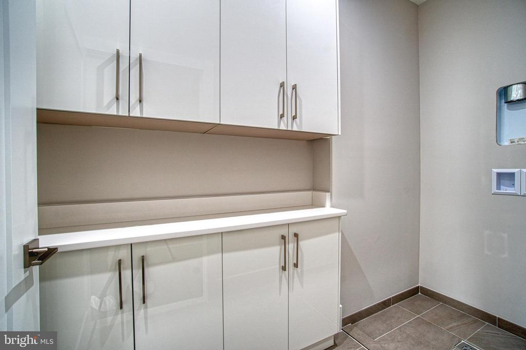 Laundry Room - 1239 N TAYLOR ST, ARLINGTON
