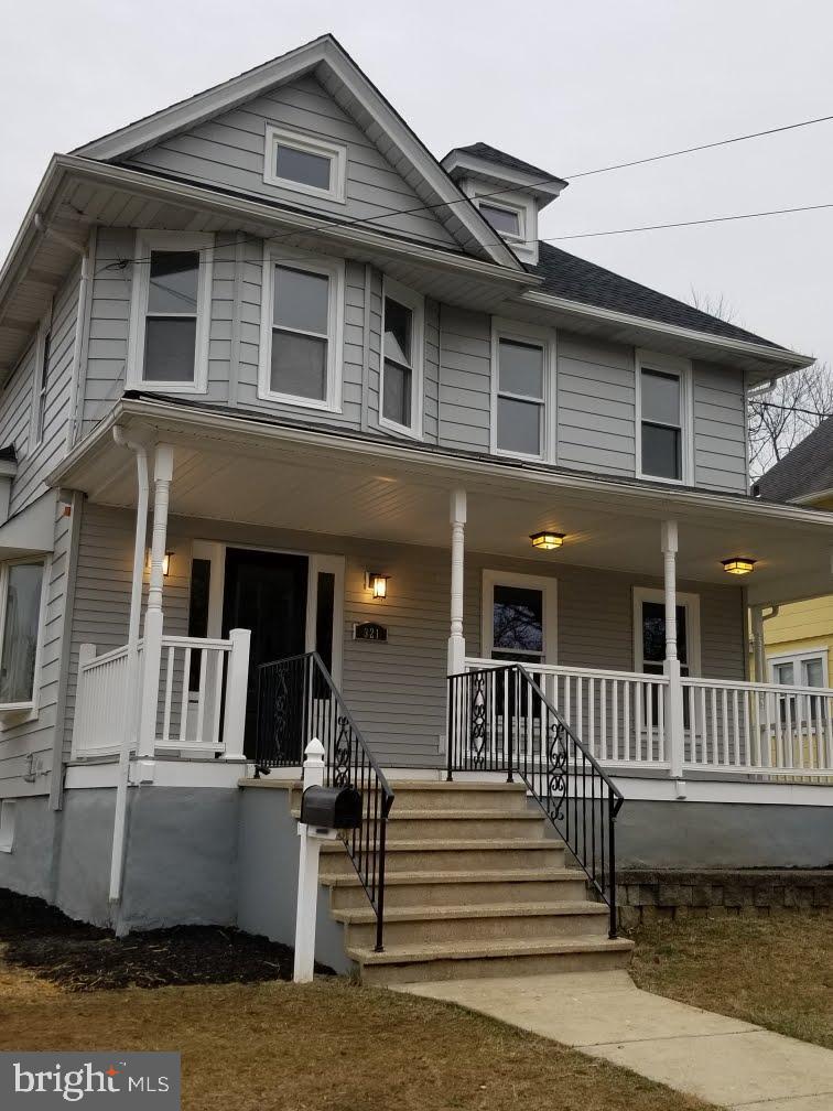 Single Family Homes för Försäljning vid Collingswood, New Jersey 08108 Förenta staterna