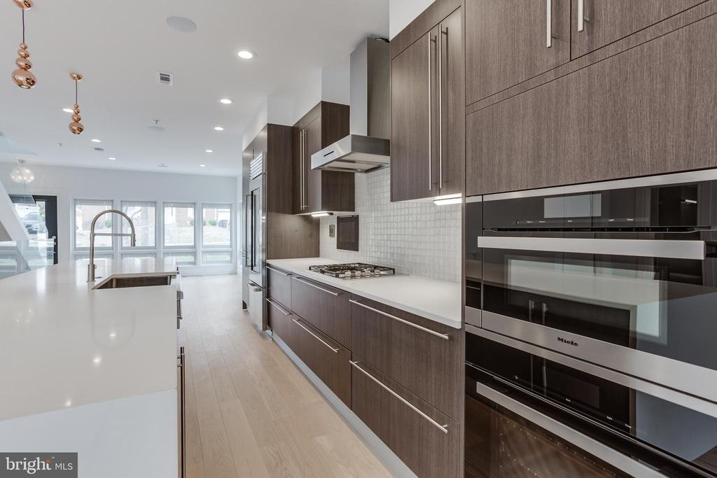 Miele appliances - 2951 FORT BAKER DR SE, WASHINGTON