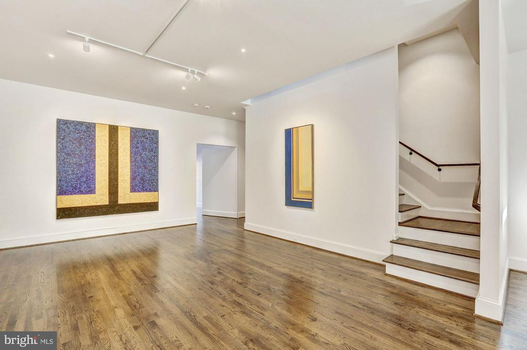 Ideal for Gallery or Office Space - 1013 O ST NW, WASHINGTON