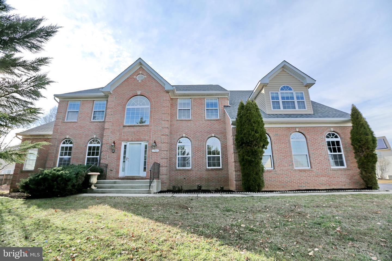Single Family Homes für Verkauf beim 6781 PEARLBUSH Place Bryans Road, Maryland 20616 Vereinigte Staaten