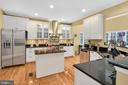 Spectacular gourmet kitchen - 47285 OX BOW CIR, STERLING