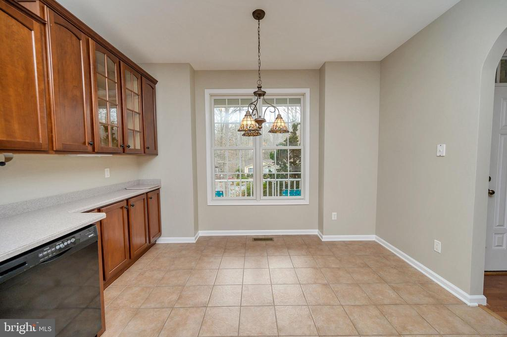 Kitchen offers space for table too! - 1010 EASTOVER PKWY, LOCUST GROVE