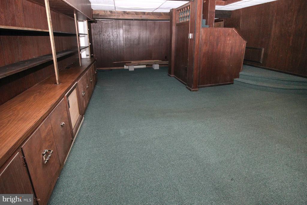 basement family room - 909 WEST KING, MARTINSBURG