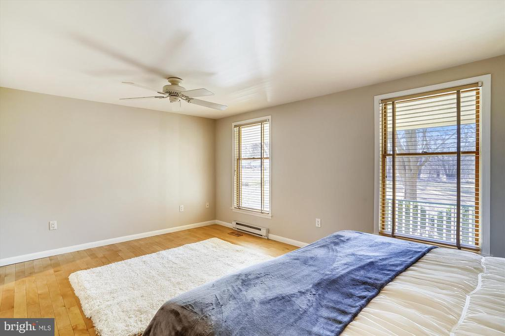 Master bedroom with treed views - 13403 PULVER PL, GAITHERSBURG