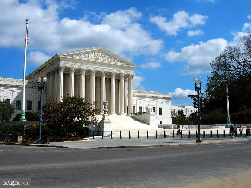 Supreme Court - 305 C ST NE #401, WASHINGTON