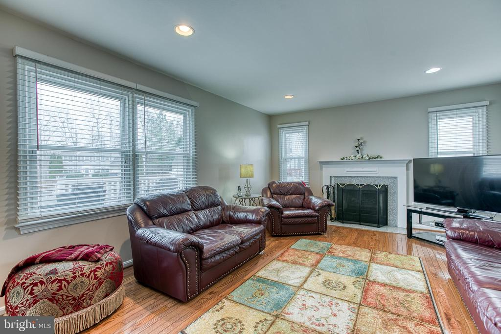 Family room with wood burning Fire Place - 4 MARKHAM WAY, STAFFORD