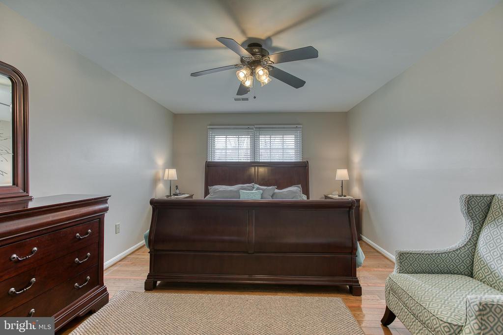 Master Bedroom - 4 MARKHAM WAY, STAFFORD