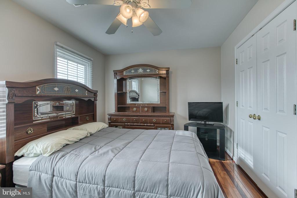 Bedroom #3, DBL reach -in closet. - 4 MARKHAM WAY, STAFFORD