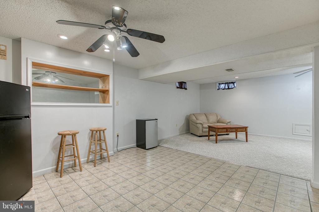 Basement hang out! Two spaces in one! - 4 MARKHAM WAY, STAFFORD