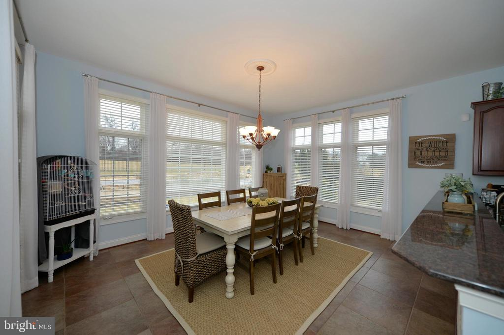 Light Filled Breakfast/Morning Room - 36335 SILCOTT MEADOW PL, PURCELLVILLE