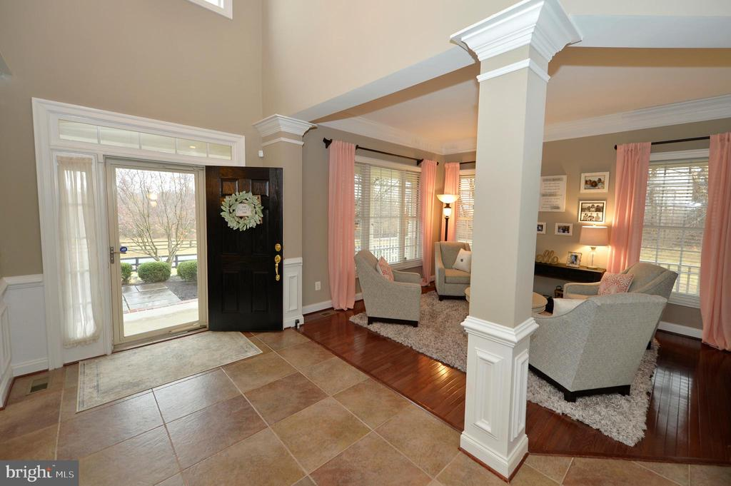 Elegant 2 Story Entry Foyer - 36335 SILCOTT MEADOW PL, PURCELLVILLE