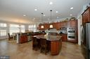 Extraordinary Chef's Kitchen with SS Appliances - 36335 SILCOTT MEADOW PL, PURCELLVILLE