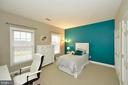 Second Bedroom with 2 Closets & Door to Hall Bath - 36335 SILCOTT MEADOW PL, PURCELLVILLE