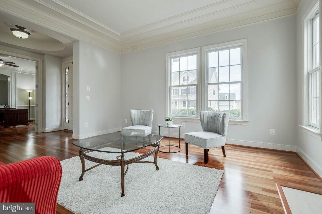 Formal Living Room with Hardwood Floors - 21883 KNOB HILL PL, ASHBURN