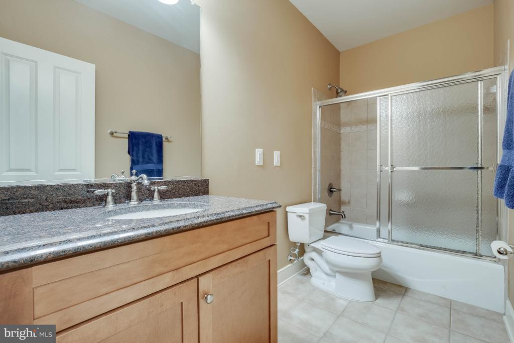 Full Bathroom in the Rec Room - 21883 KNOB HILL PL, ASHBURN