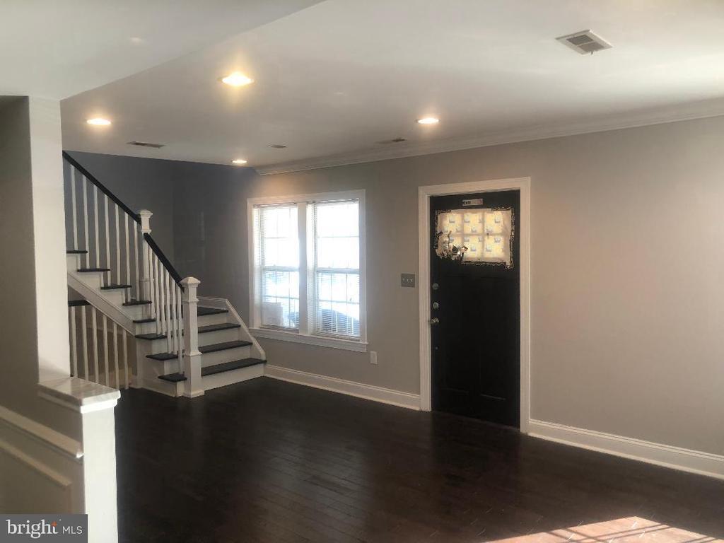 Open Floor Plan - 3002 FRANKLIN ST NE, WASHINGTON