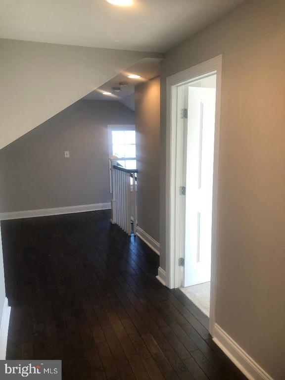 Upper Floor Hallway - 3002 FRANKLIN ST NE, WASHINGTON