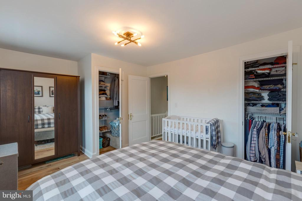 Note customized closets for maximum storage - 1106 PORTNER RD, ALEXANDRIA