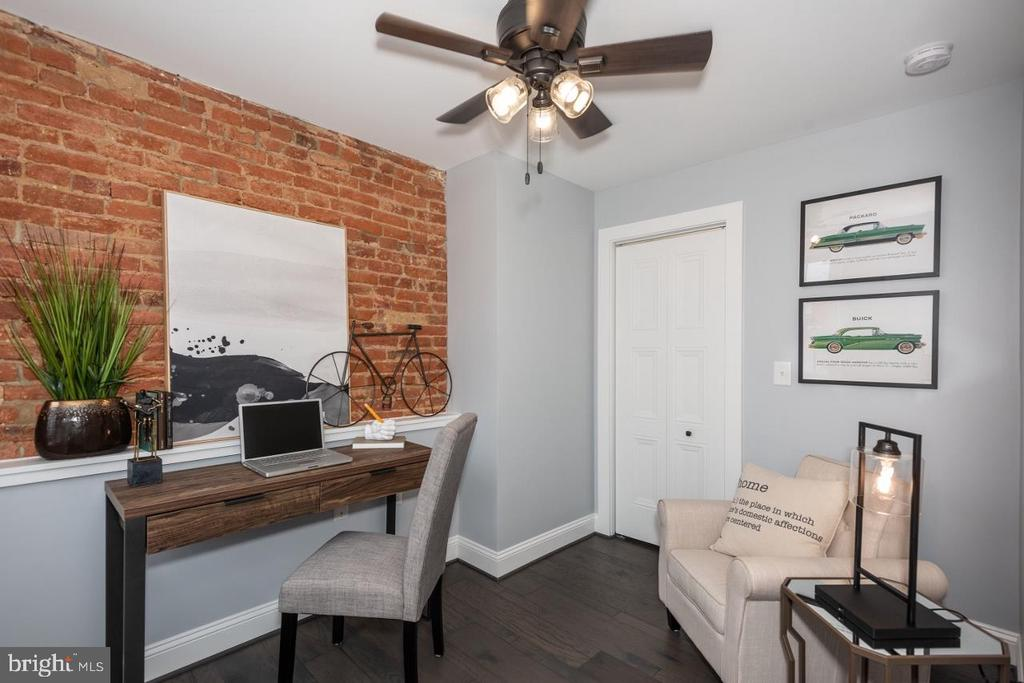 2nd Floor Bedroom exposed brick - 165 B AND O AVE, FREDERICK