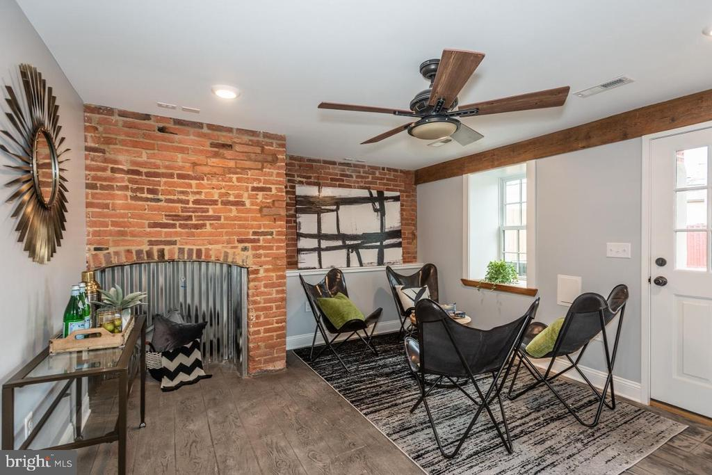 Awesome basement flex space - 165 B AND O AVE, FREDERICK