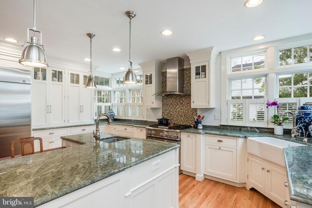 Great counter space and natural light in kitchen - 136 LAFAYETTE AVE, ANNAPOLIS