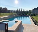 In-ground pool and spa - 36335 SILCOTT MEADOW PL, PURCELLVILLE