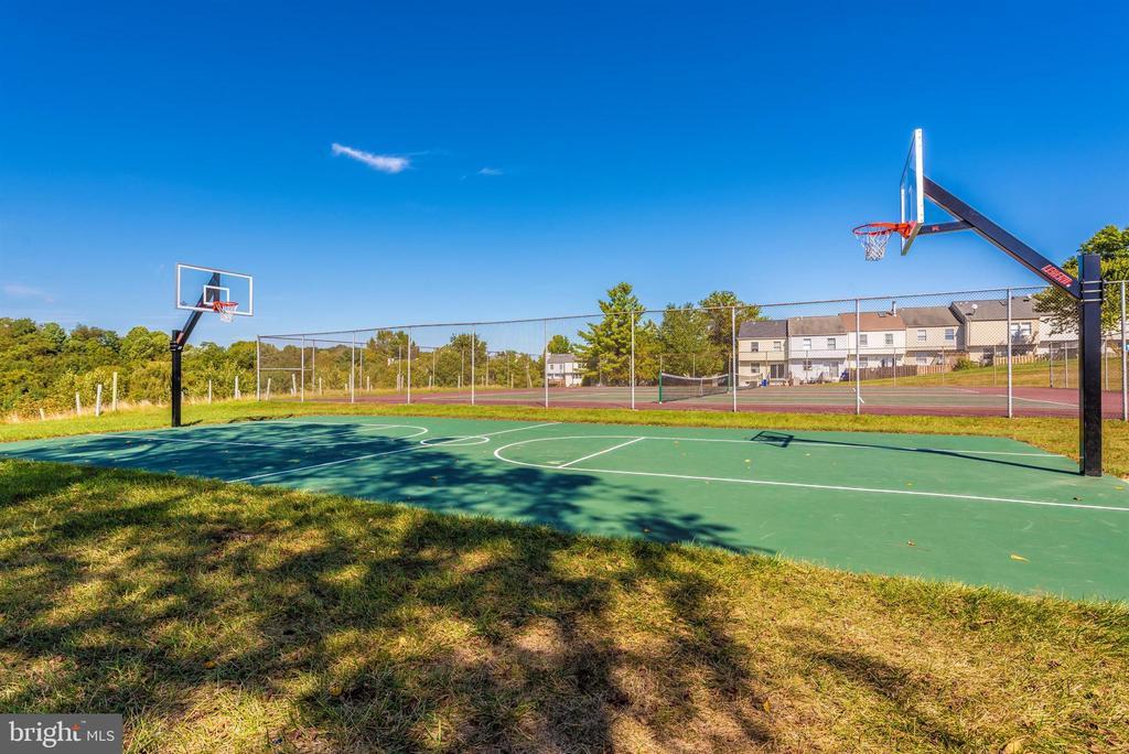 Community Basketball Court - 10649 FINN DR, NEW MARKET