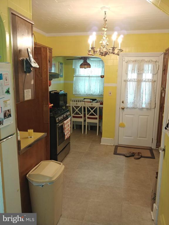 View of Kitchen and Kitchenette. - 4025 20TH ST NE, WASHINGTON
