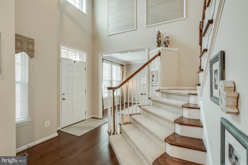 Open Foyer with Hardwood Floors & Stairs - 26003 KIMBERLY ROSE DR, CHANTILLY