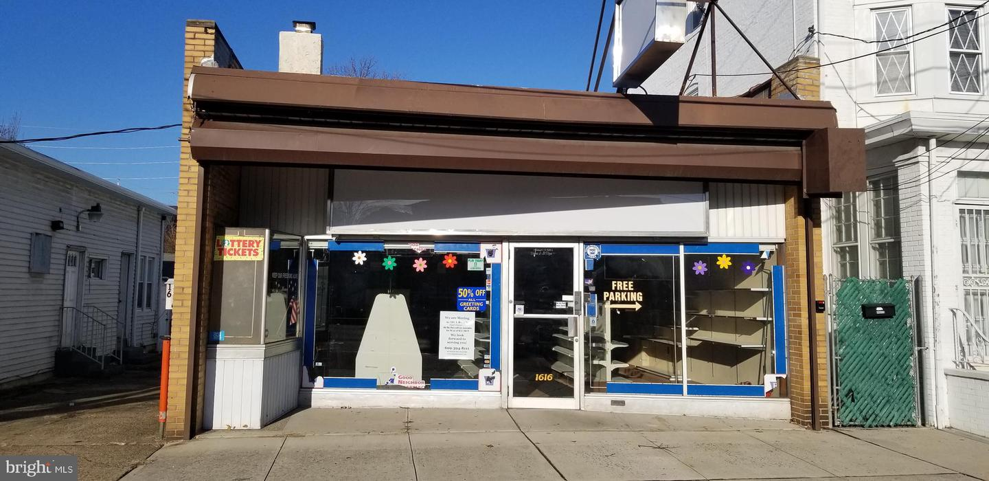 Retail for Sale at Hamilton, New Jersey 08610 United States