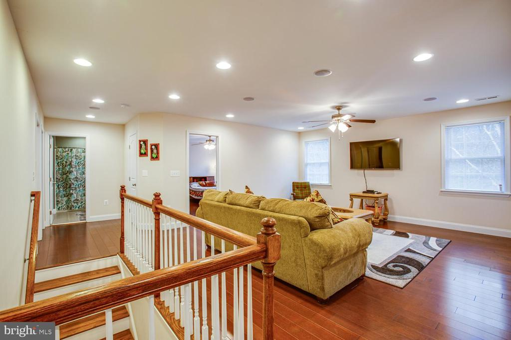 Second family room upstairs - 2252 PARTLOW RD, BEAVERDAM