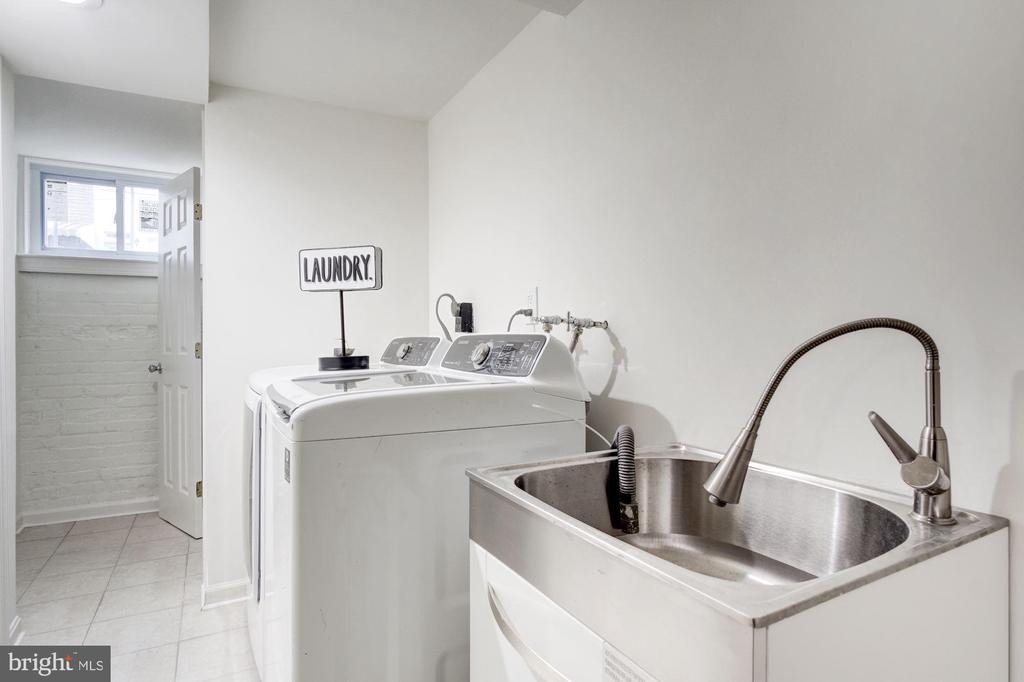 Ultra Modern Laundry Includes Handy Laundry Tub - 5710 3RD PL NW, WASHINGTON