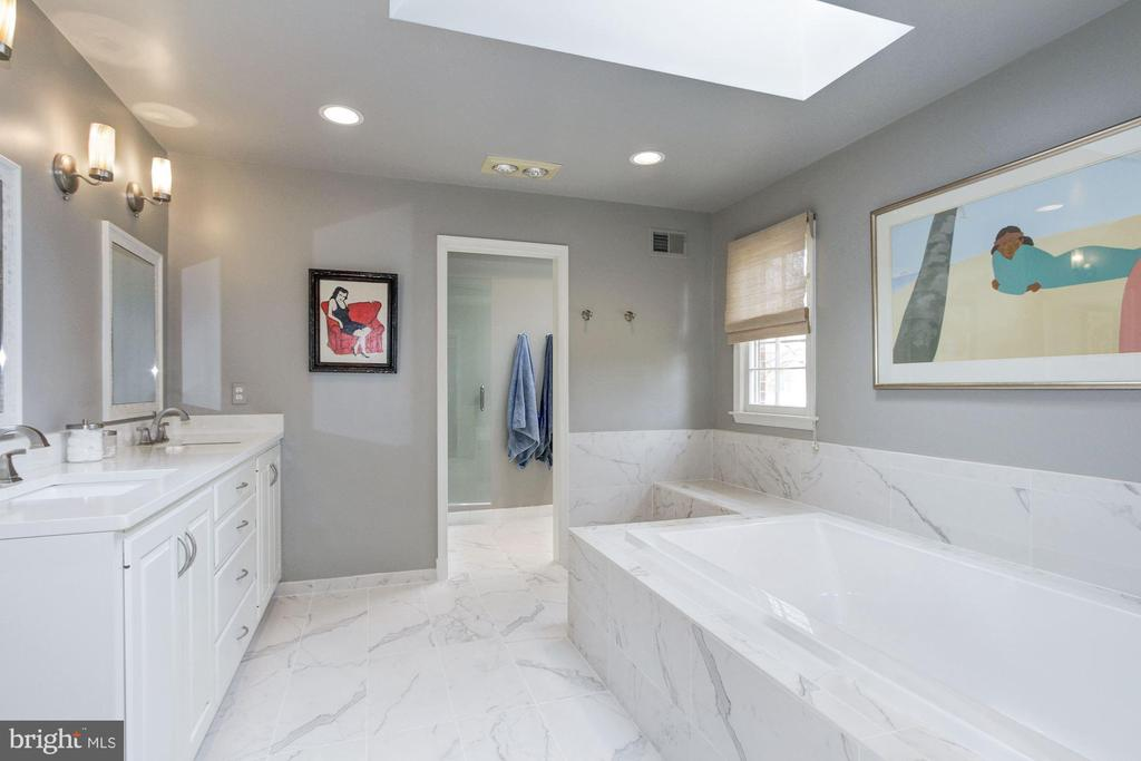 Newly renovated master suite oasis. - 6951 GREENTREE RD, BETHESDA