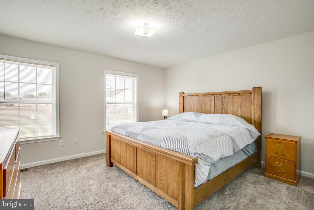 Large Master Bedroom and brand new carpet upstairs - 9710 W MIDLAND WAY, FREDERICKSBURG