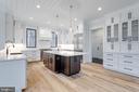 Chef's kitchen w/quartz counters - 10317 BURKE LAKE RD, FAIRFAX STATION