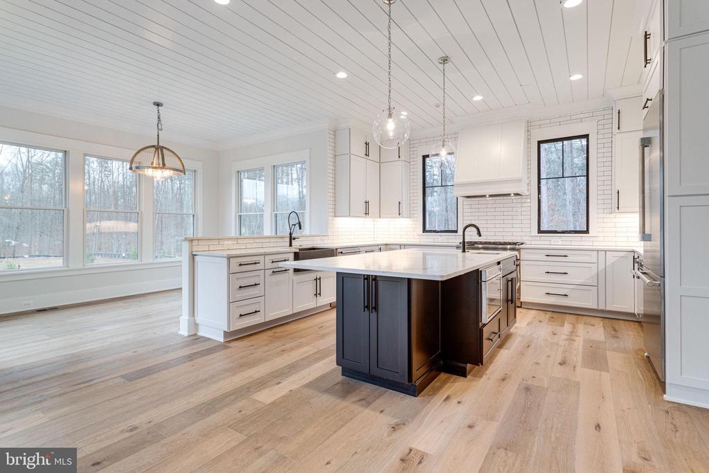 Chef's kitchen - 10317 BURKE LAKE RD, FAIRFAX STATION