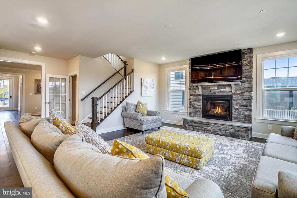 Fabulous Stone Fireplace in Family Room - 6141 FALLFISH CT, NEW MARKET