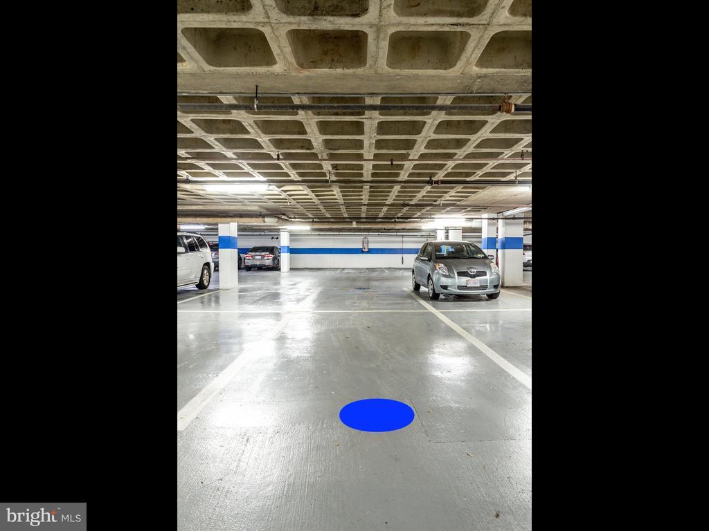 Garage parking areas - 5500 HOLMES RUN PKWY #1517, ALEXANDRIA